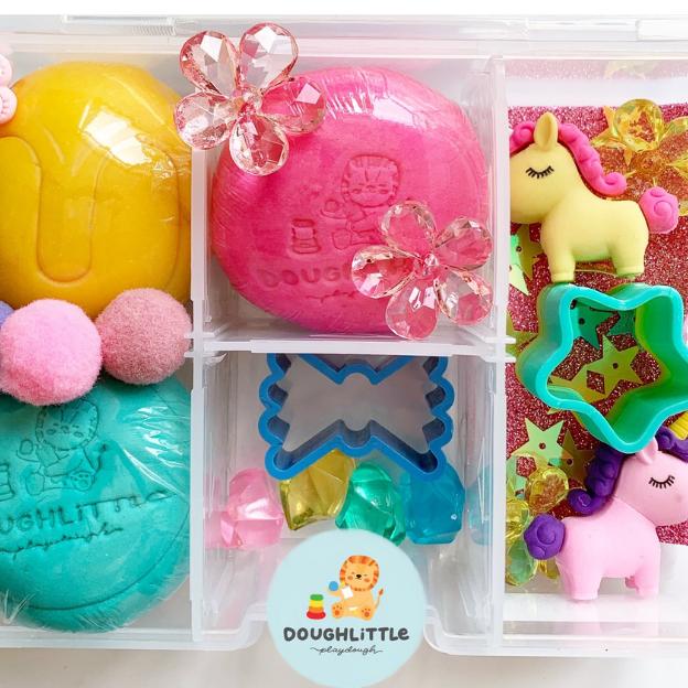 Una Unicorn Kid Box