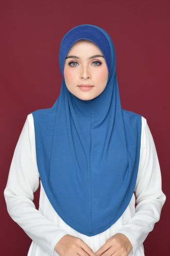 Aafiah (L) in Solid Blue