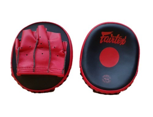 FAIRTEX FMV15 SPEED FOCUS MITTS - BLACK/RED - Potosan Corner Proshop