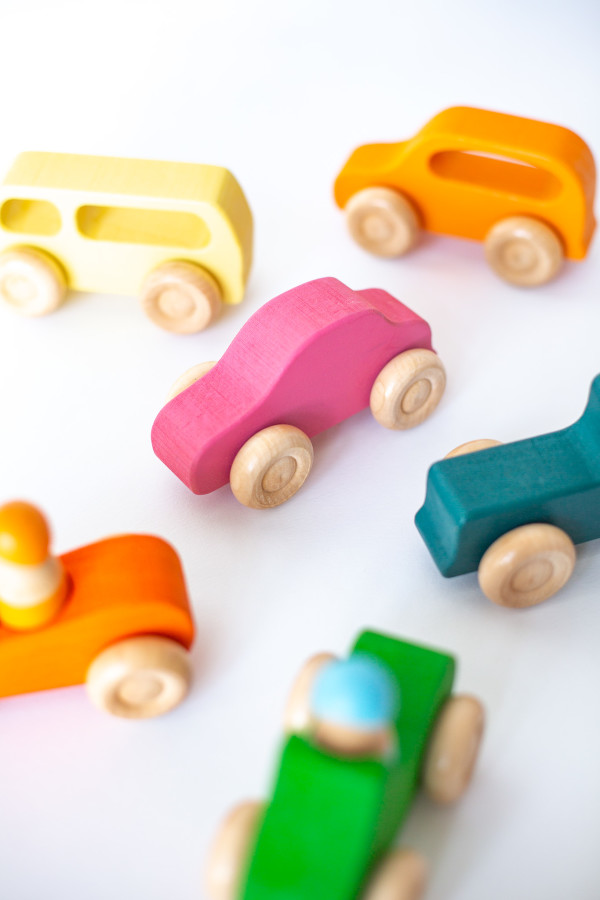 Rainbow Wooden Cars (7pcs) - Petit World